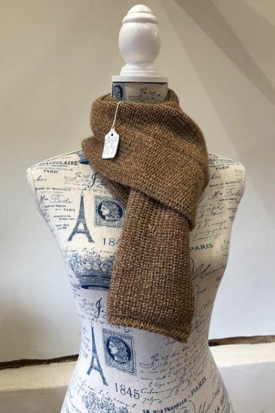 Light fawn/dark fawn scarf